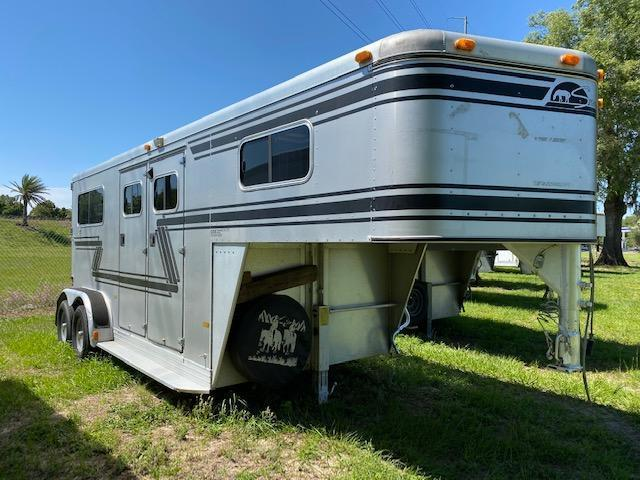 1995 Sundowner Trailers 2 horse straight load gooseneck w/dr Horse Trailer