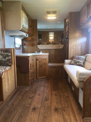 2005 Exiss Trailers 8' wide 4 horse w/14' lq Horse Trailer