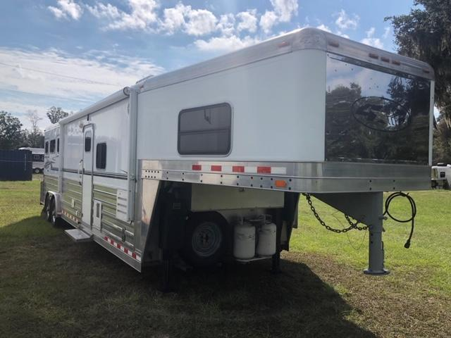 2008 4-Star Trailers 8' wide 3 horse w/12' lq and slide and generator Horse Trailer