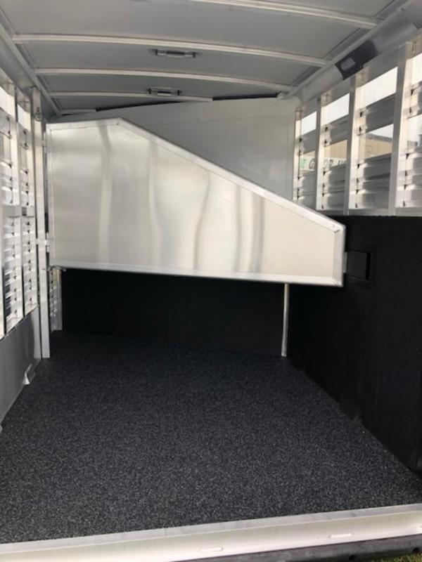 2022 Exiss Trailers 2 horse CX with dressing room Horse Trailer