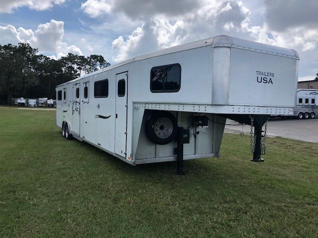 2020 Trailers USA Inc. 6 horse head to head Horse Trailer
