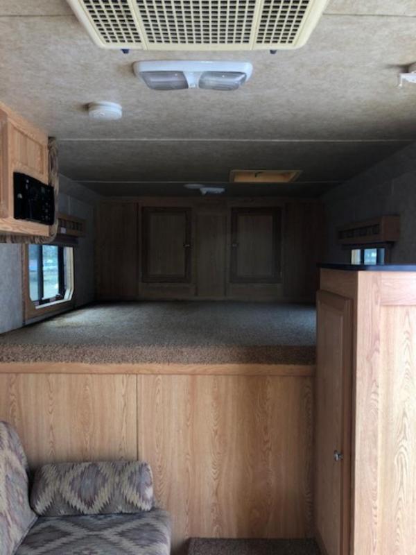 2006 Kiefer Built 3 horse w/7' lq Horse Trailer