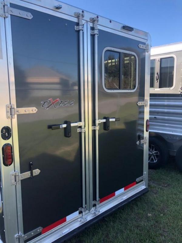 2020 Exiss Trailers 2 horse bumper pull model 720 dr and rear tack Horse Trailer