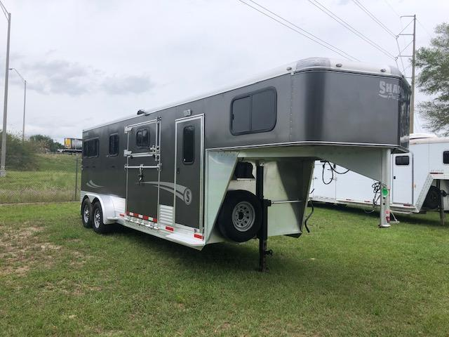 2017 Shadow Trailers 2 pljus 1 Horse Trailer
