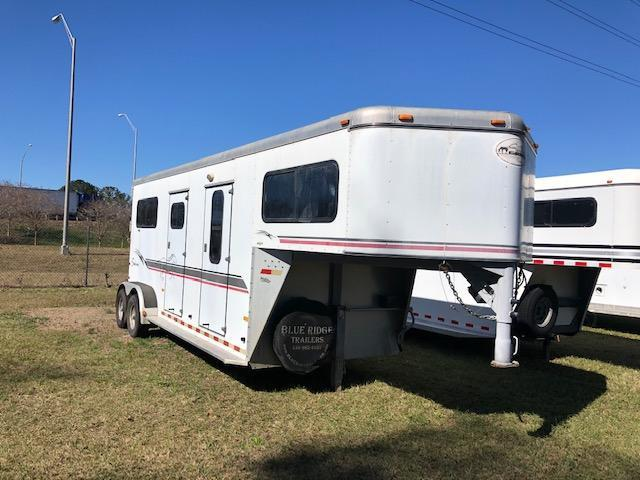 2004 Sundowner Trailers 2 horse straight load w/ dressing room Horse Trailer