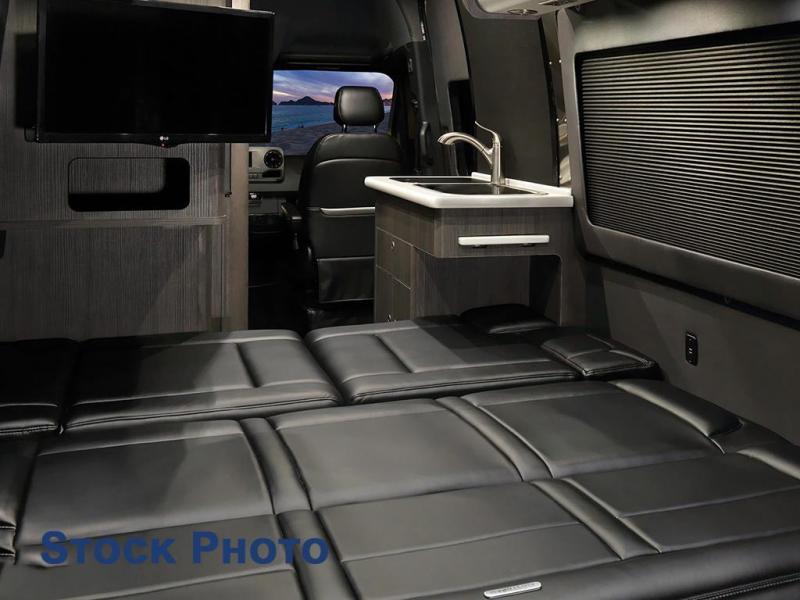 2022 Airstream Interstate 19