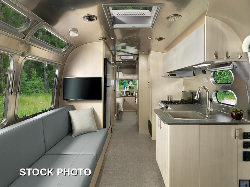 2022 Airstream Flying Cloud 27FB Twin Travel Trailer