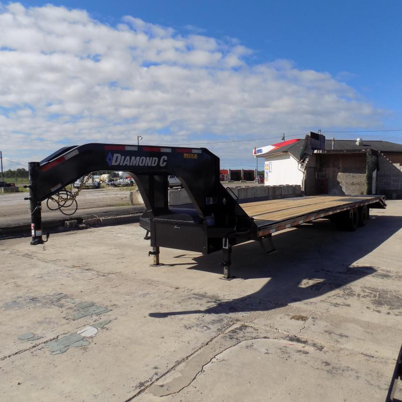 "New Diamond C Trailers 102"" x 35' Gooseneck Equipment Trailer With 25.9K Weight Rating"