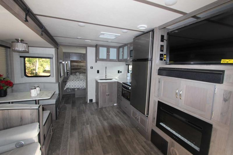 2021 Gulf Stream Coach Envision 258RB