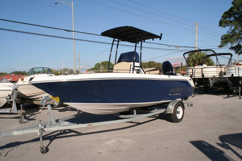 2021 Caravelle Boat Group Key Largo 2000CC
