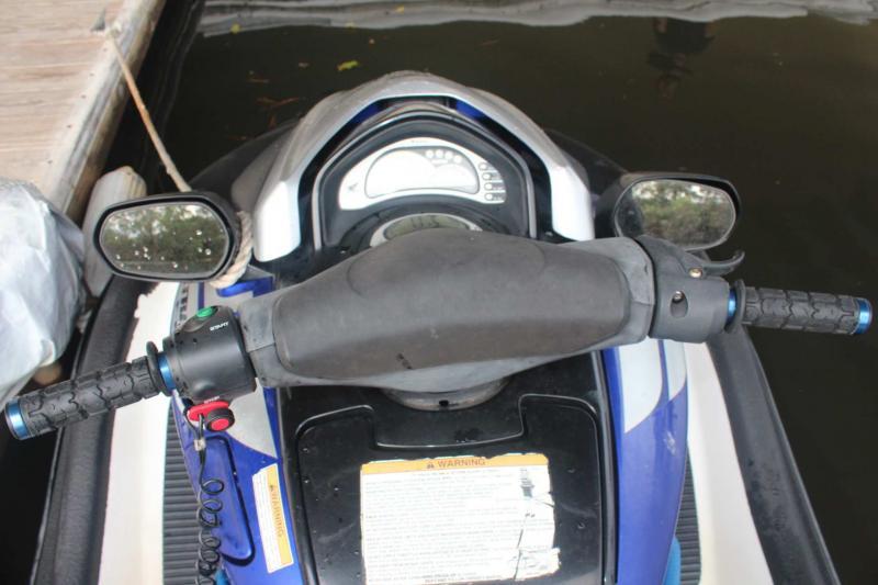 2005  Aquatrax F12