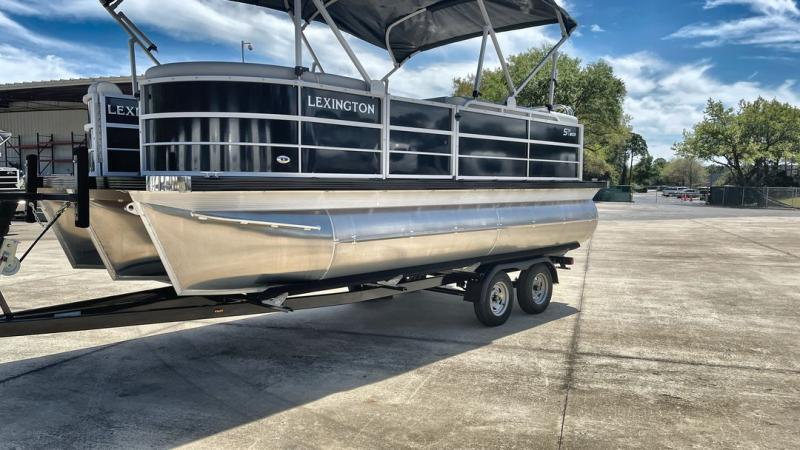 2021  Lexington 519 HPT TRITOON