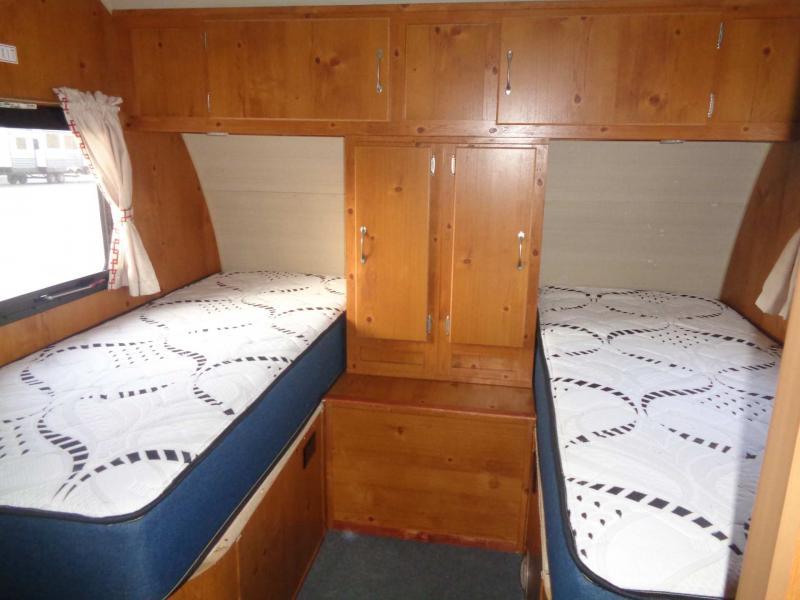 2017  Vintage Cruiser 19ERD