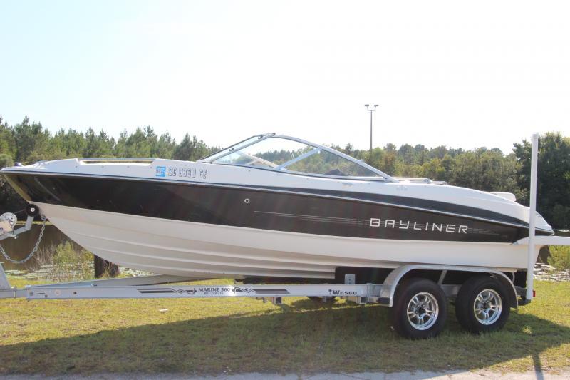 2012 Bayliner Bayliner 215