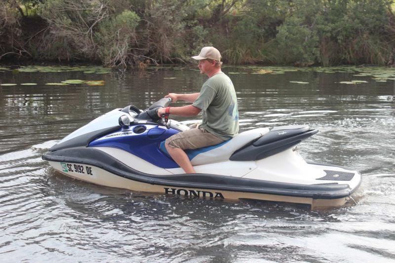 2006  Aquatrax F12
