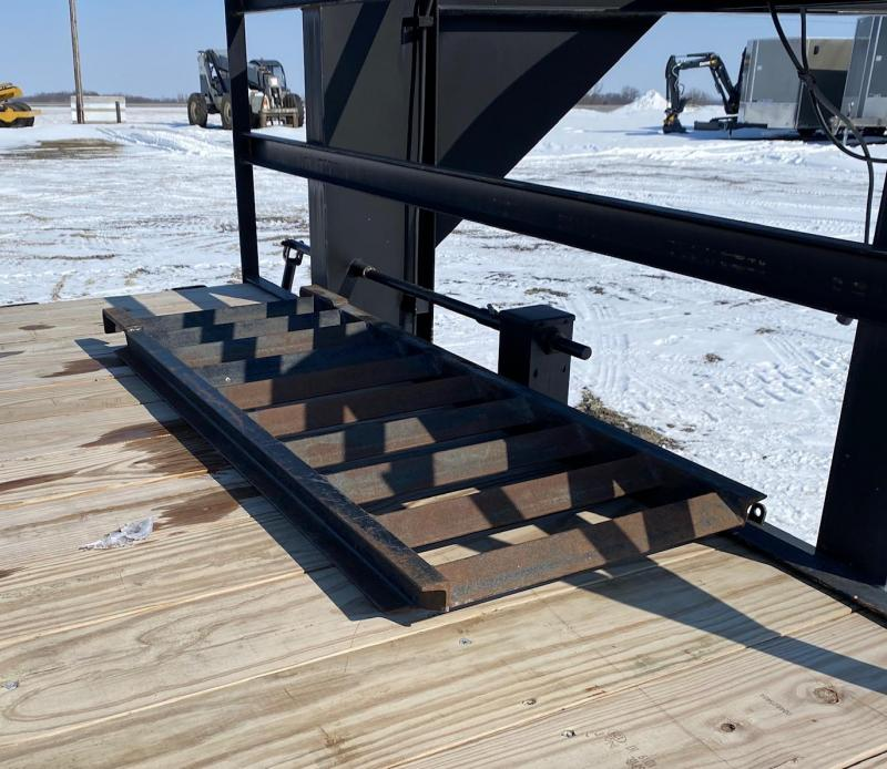 2012 Kaufman Trailers 24' Flatbed Trailer