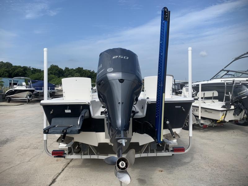 2018 Sea Born FX24 Bay Sport  located in Rockledge