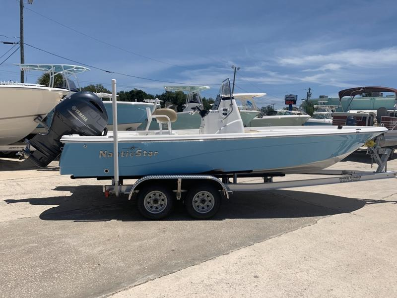 2020 NauticStar Boats 215 XTS  located in Rockledge