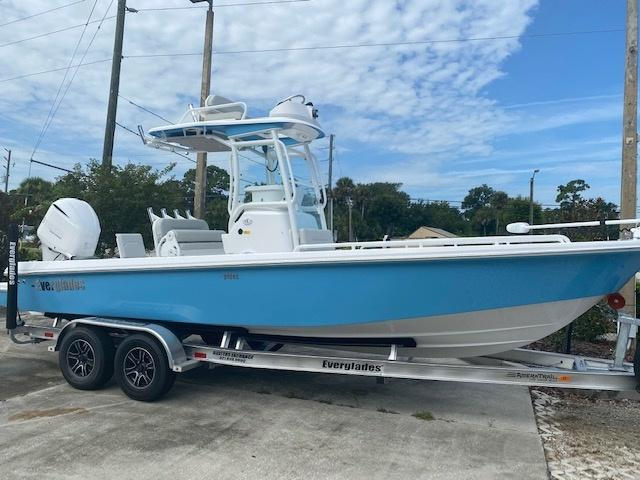 2021 Everglades Boats 243 CC  located in Rockledge