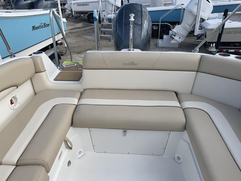 2021 NauticStar Boats 243 DC Deck  located in Rockledge