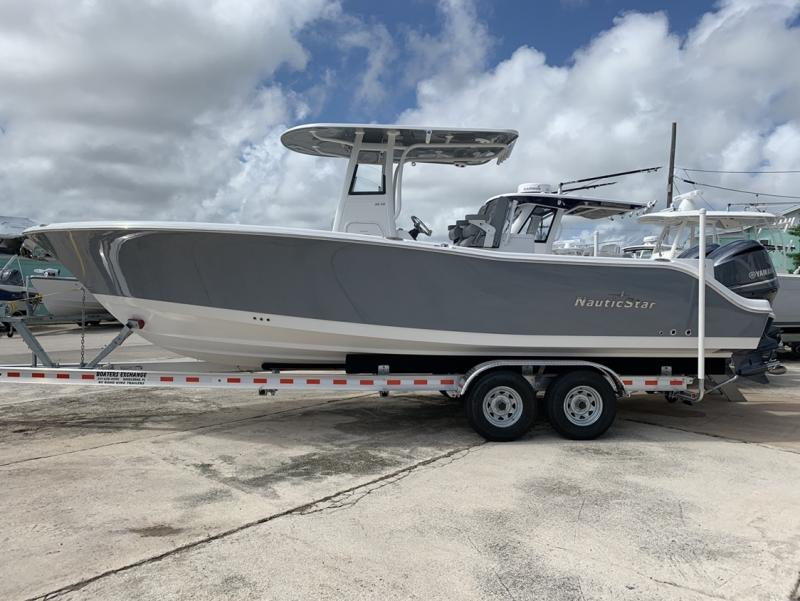2021 NauticStar Boats 28 XS  located in Rockledge