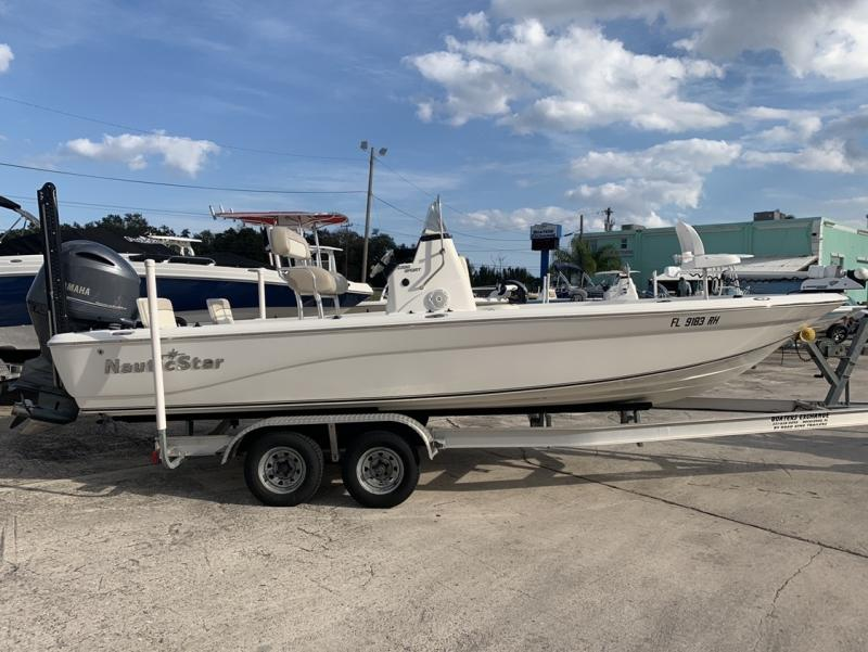 2017 NauticStar 2200 Sport  located in Rockledge
