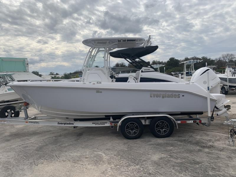 2020 Everglades Boats 235cc  located in Rockledge