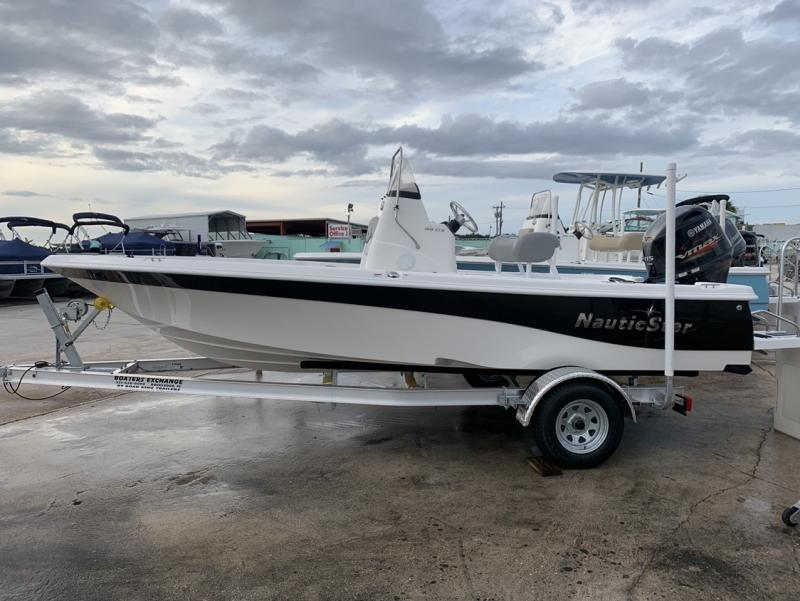 2021 NauticStar Boats 195 XTS  located in New Smyrna Beach