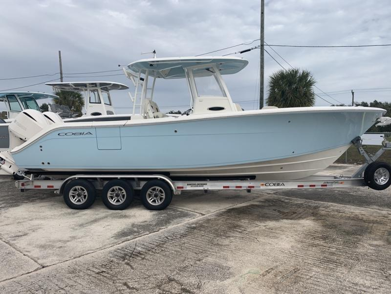 2021 Cobia Boats 301 Center Console  located in Rockledge