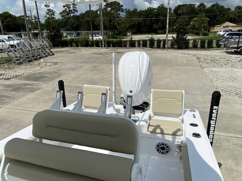 2022 Everglades Boats 243 CC  located in New Smyrna Beach