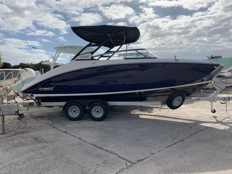 2021 Yamaha 252SE  located in Rockledge