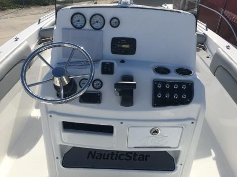 2022 NauticStar Boats 231 Hybrid  located in Rockledge