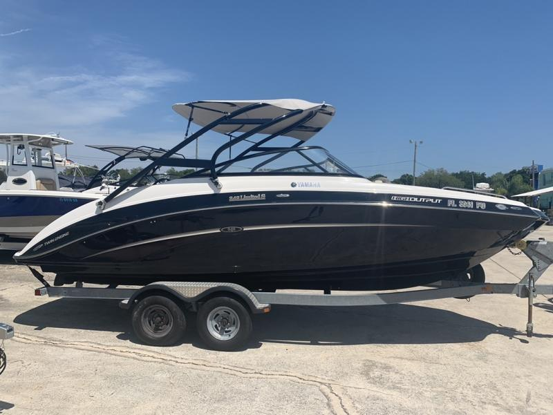 2014 Yamaha 242 LTD S  located in New Smyrna Beach