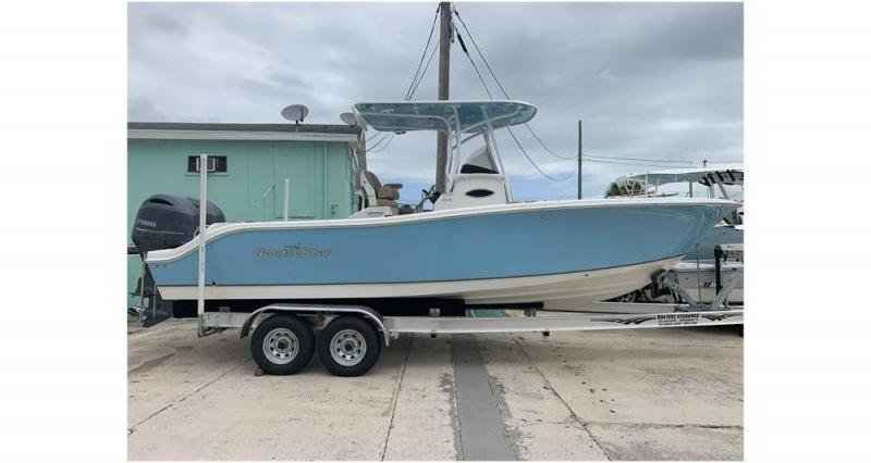2020 NauticStar Boats 25 XS  located in Rockledge