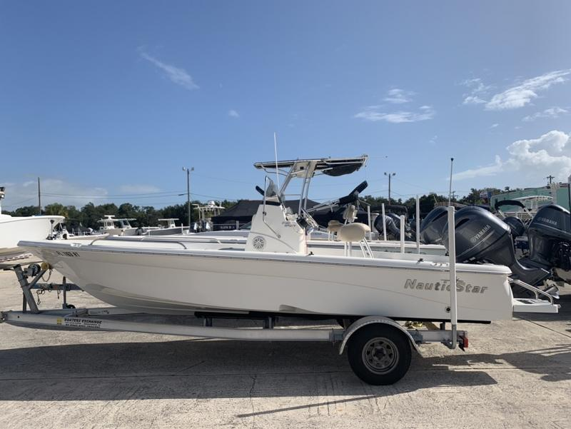 2018 NauticStar Boats 2140 Sport  located in Rockledge