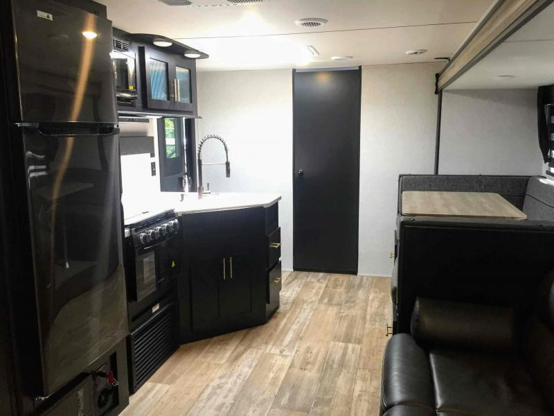 2021 Forest River Cherokee Grey Wolf 29TE Travel Trailer RV