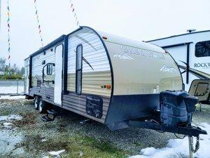 2015 FOREST RIVER CHEROKEE GREY WOLF 26DBH