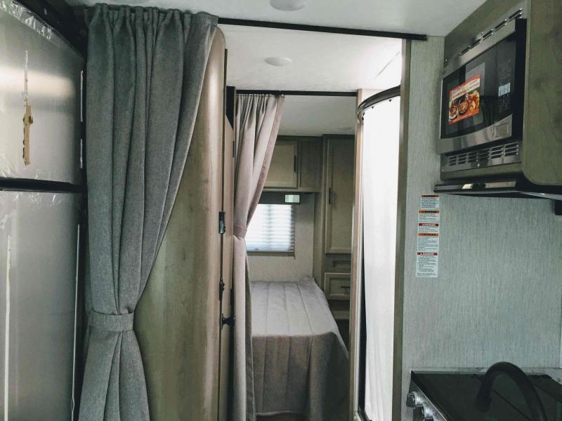 2021 Coachmen Freelander 27QB Class C RV