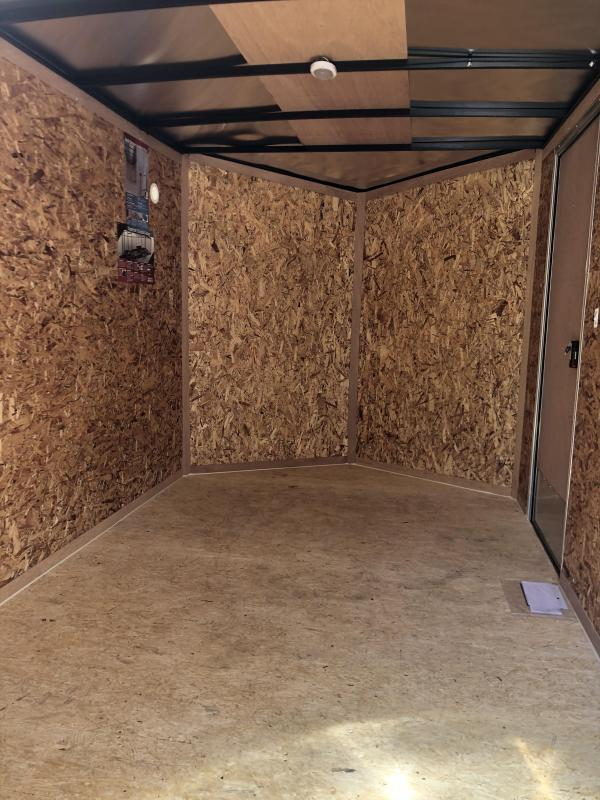 Look 712DLX cargo trailer silver