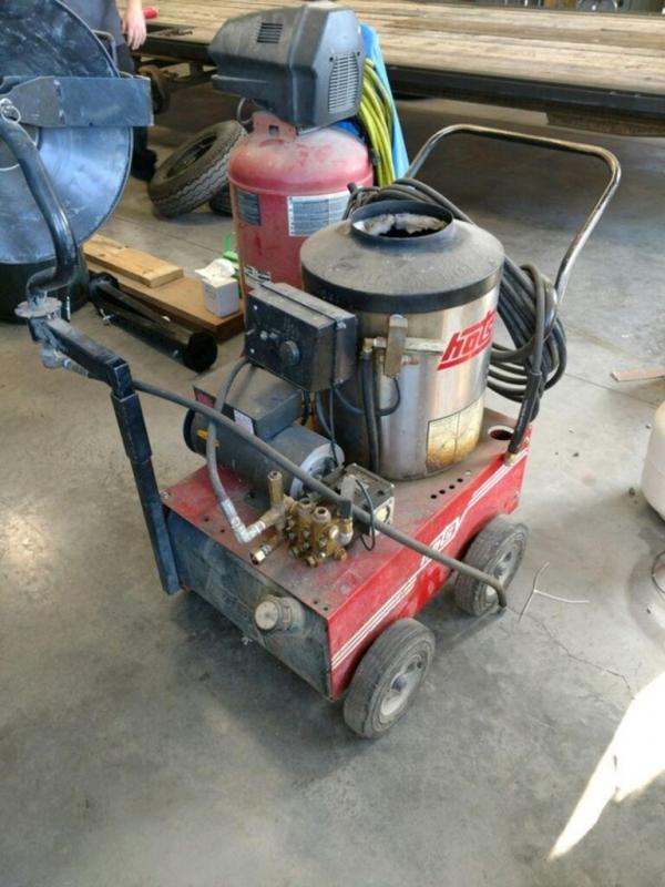 2004 Hotsy Fuel Oil Heated & Electric Powered 500 Series