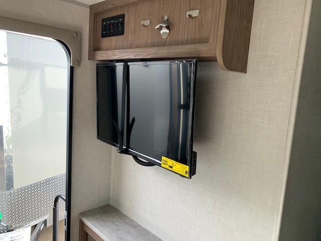 2020 Forest River Inc. NO-BOUNDARIES 16.2 Travel Trailer RV