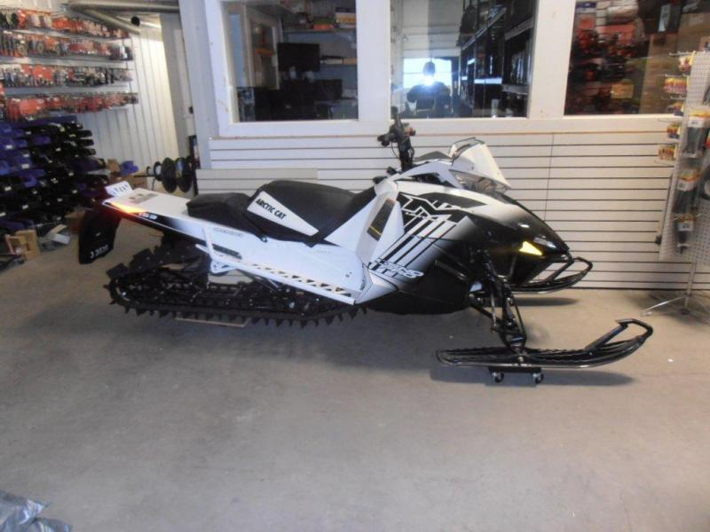 2014 Artic Cat M8 Snow Pro Limited 153 track