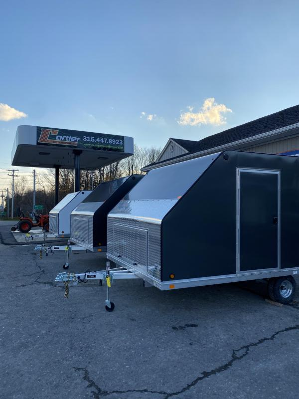 """2021 Blizzard Manufacturing Nor-Easter 12 Snowmobile TrailerWITH THESE OPTIONS:SIDE MAN DOOR5' 6"""" TO 6'REVERSE LIGHTS"""