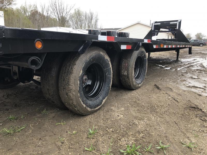 Load Trail 32ft Low Profile Deckover 22K Gooseneck Equipment Flatbed Trailer w/ Max Ramps