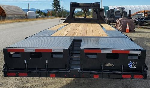 2021 Diamond C Trailers FMAX207L25x102 Goosneck Flatbed Trailer