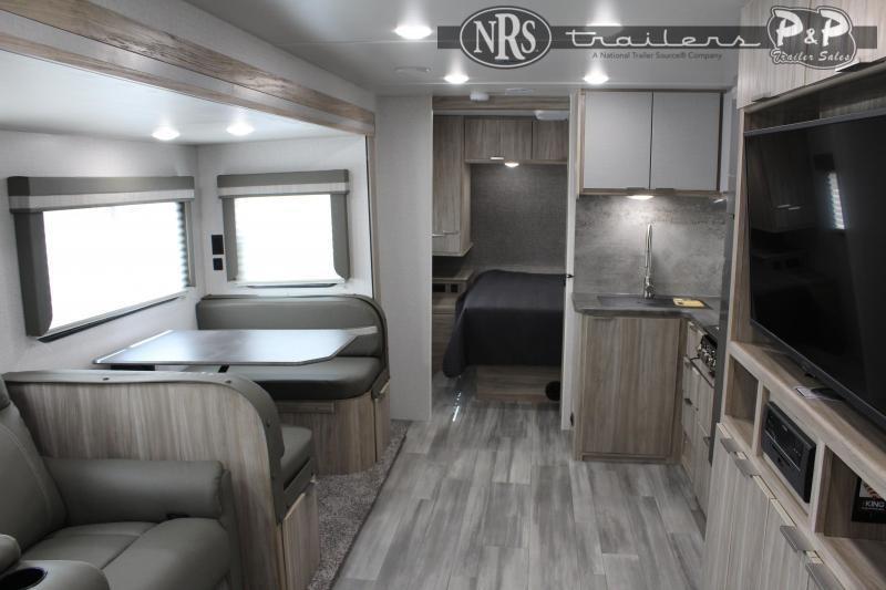 2021 Winnebago Minnie 2801BHS 32 ' Travel Trailer RV