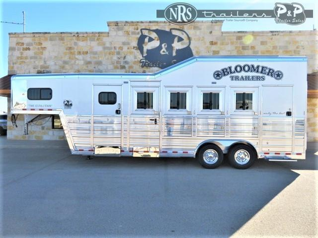 2021 Bloomer 84TRN Super Tack Trainer 4 Horse Slant Load Trailer w/ Ramps