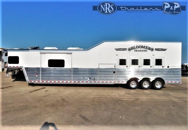 2020 Bloomer 8420OL 4 Horse Slant Load Trailer 20 FT LQ w/ Slideouts