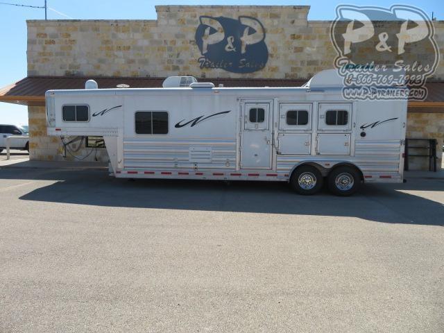 2018 Platinum Coach 3 Horse 3 Horse Slant Load Trailer 10'8 FT LQ