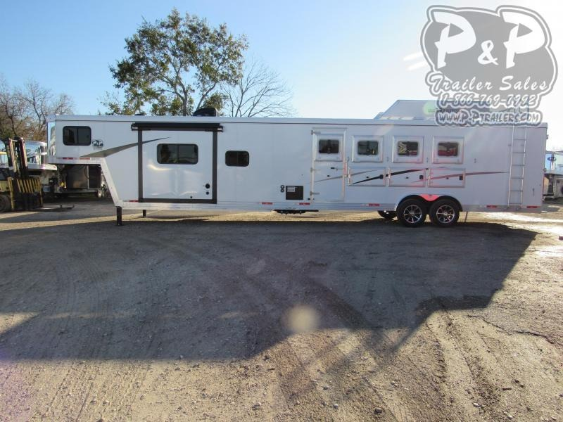 2021 Bison Trailers Trail Boss 8415TBSORSL 4 Horse Slant Load Trailer 15 FT LQ With Slides w/ Ramps